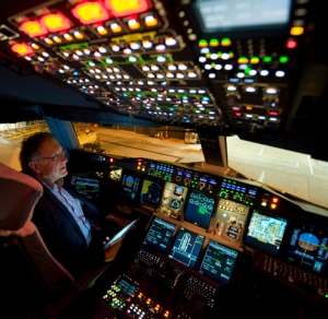 Passenger living the pilots' dream in the left seat of the A380 (Photo: Richard de Crespigny)