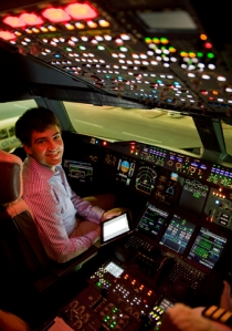 Alexander de Crespigny in the A380's cockpit at Dubai Airport (November 2013)