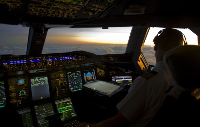 Flying east at 37,000 feet over the Indian Ocean (Photo R de Crespigny)