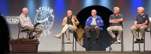 Commander Jim Lovell, Fred Haise, Bill Reeves (Apollo 13 Flight Controller) and Milt Windler (one of the four Apollo 13 Flight Directors)