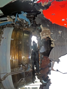 Uncontained turbine failure - QF32