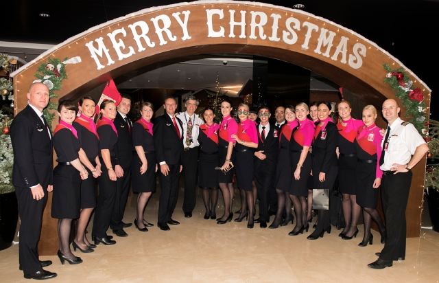 Merry Christmas from the QF9 crew Dubai-London 24 Dec 2015