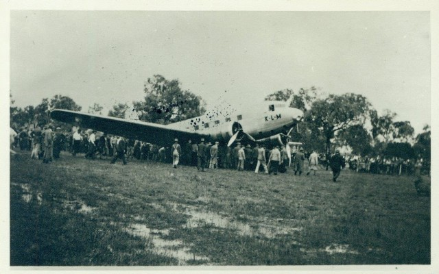 The Uiver after making an emergency landing at Albury Racecourse, 1934. Albury City Collection (ARM 84.086).)